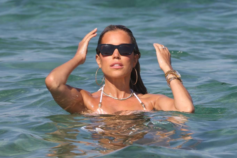Sylvie Meis 2020 : Sylvie Meis in Bikini 2020-40