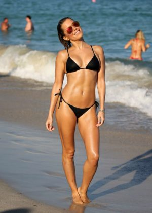 Sylvie Meis in Black Bikini on the beach in Miami Pic 31 of 35