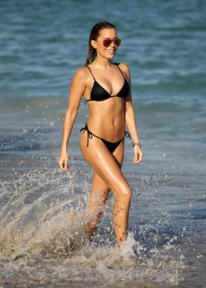 Sylvie Meis in Black Bikini on the beach in Miami Pic 15 of 35