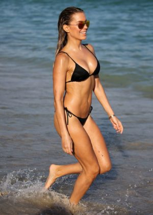Sylvie Meis in Black Bikini on the beach in Miami Pic 23 of 35