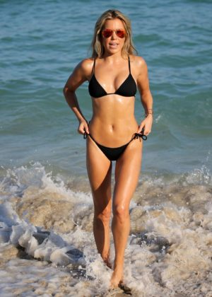 Sylvie Meis in Black Bikini on the beach in Miami Pic 18 of 35