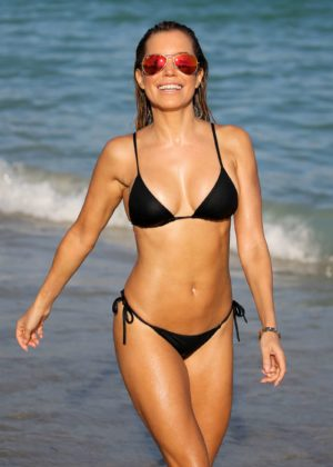 Sylvie Meis in Black Bikini on the beach in Miami Pic 8 of 35