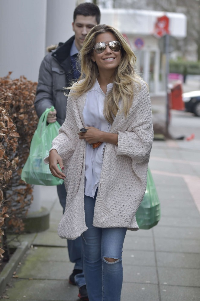 Sylvie Meis in Tight Jeans -09