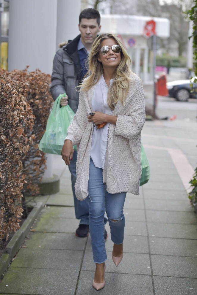 Sylvie Meis in Tight Jeans -10