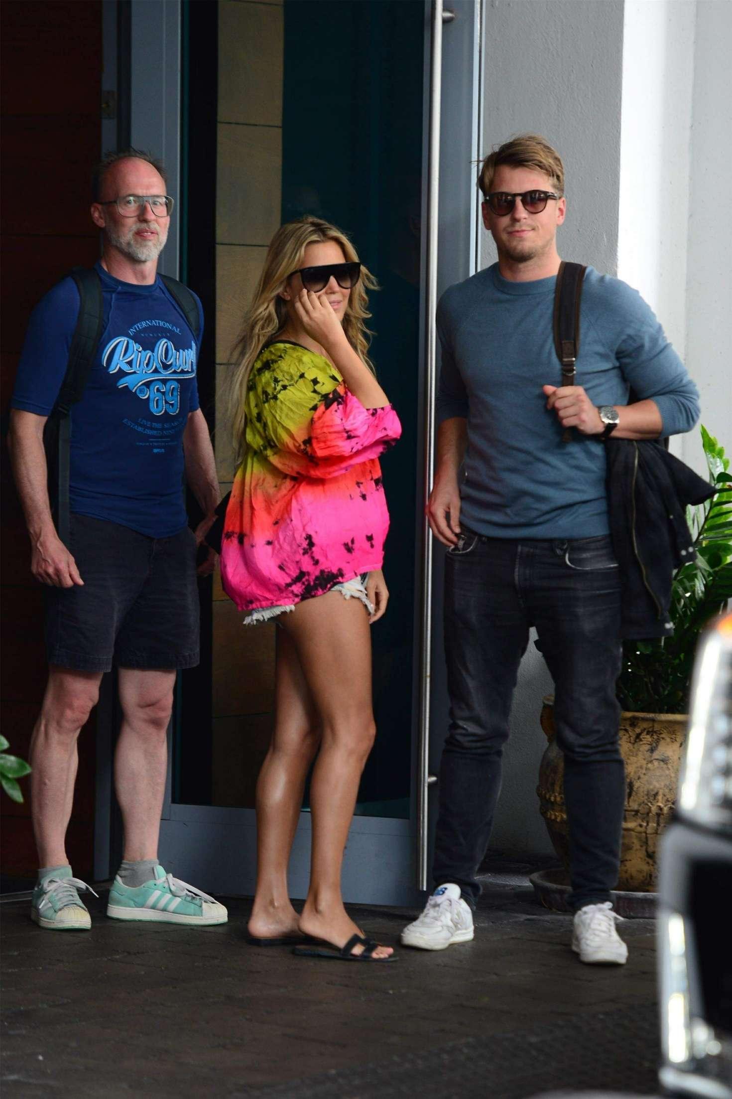 Sylvie Meis 2019 : Sylvie Meis: Outside her Miami Beach Hotel -02