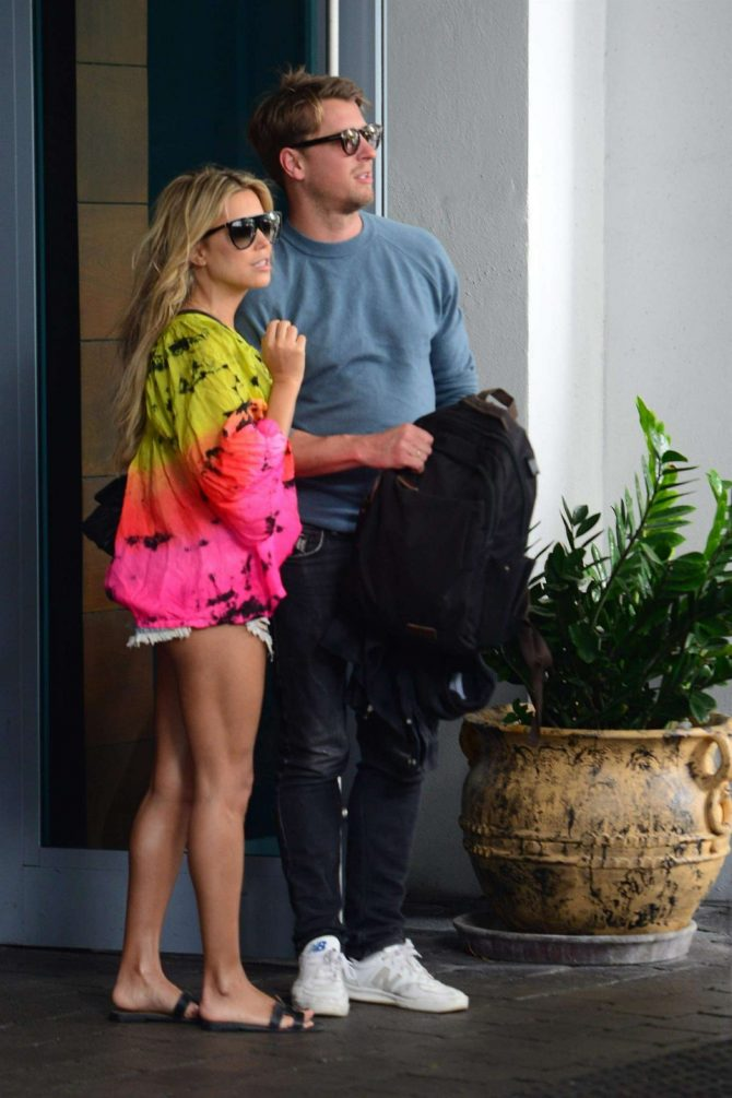 Sylvie Meis – Outside her Miami Beach Hotel