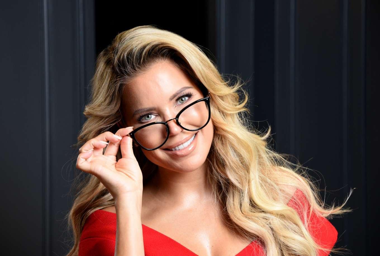 Sylvie Meis 2019 : Sylvie Meis – Presentation of her eyewear collection at Edel-Optics-05
