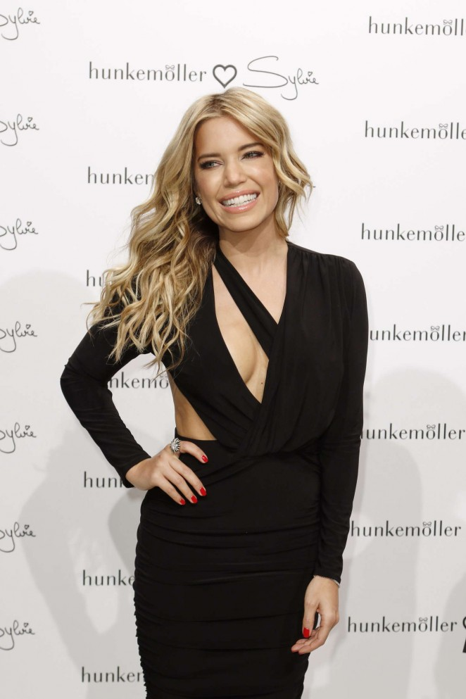 Sylvie Meis - Presents the book 'Hunkemoeller loves Sylvie' in Hamburg
