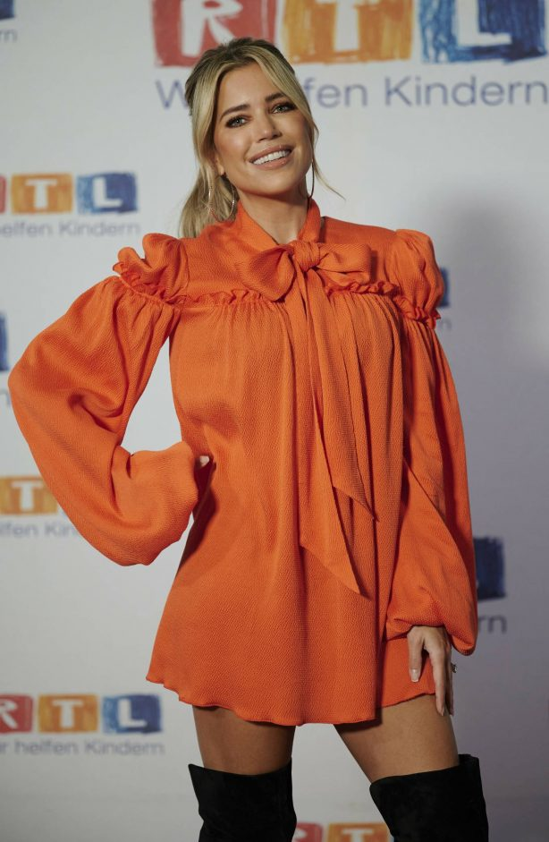 Sylvie Meis - Red carpet at 2020 RTL Telethon in Huerth