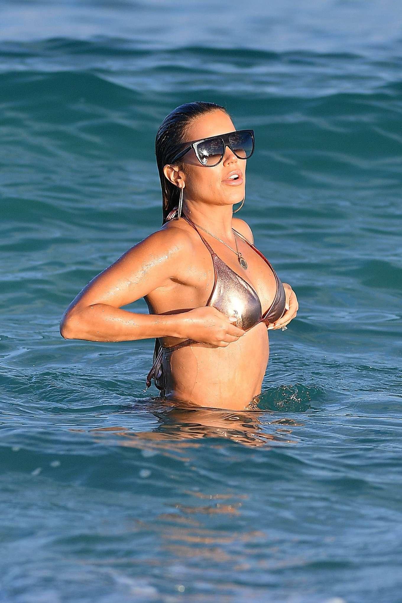 Sylvie Meis 2019 : Sylvie Meis – Wearing Bikinis at the beach in Miami Beach-01