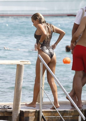 Sylvie Van Der Vaart in Swimsuit -34