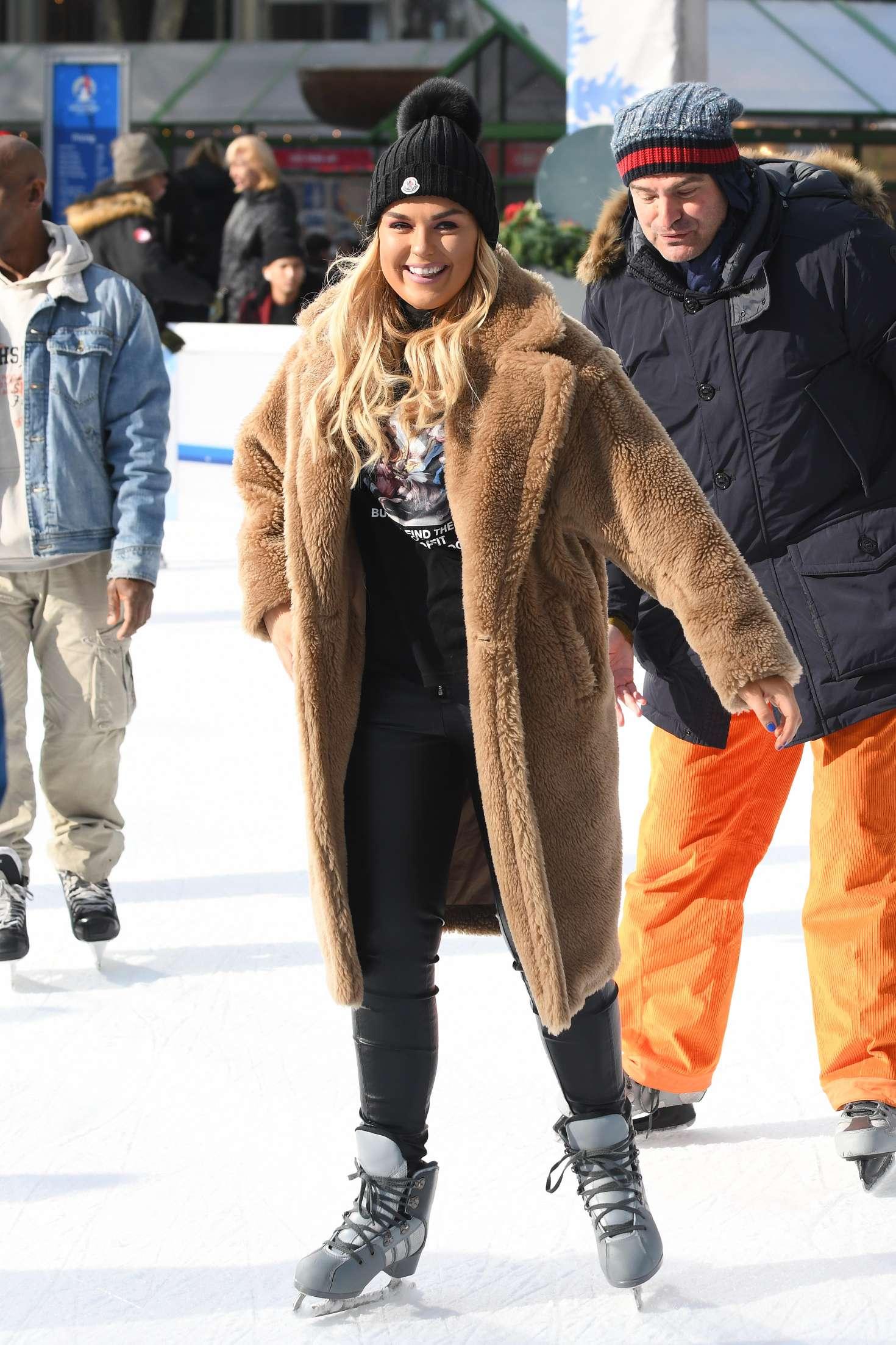 Tallia Storm 2018 : Tallia Storm: Ice skating in New York City -02