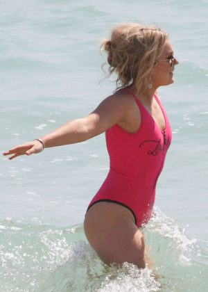 Tallia Storm in Neon Pink Swimsuit on the beach at Cannes #1: Tallia Storm in Neon Pink Swimsuit 2018 10 300x420
