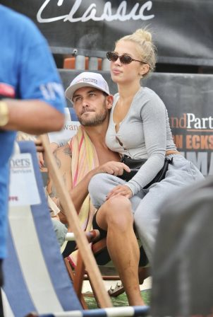 Tammy Hembrow - Watches Matt Poole at Shannon Eckstein Ironman Classic in Australia