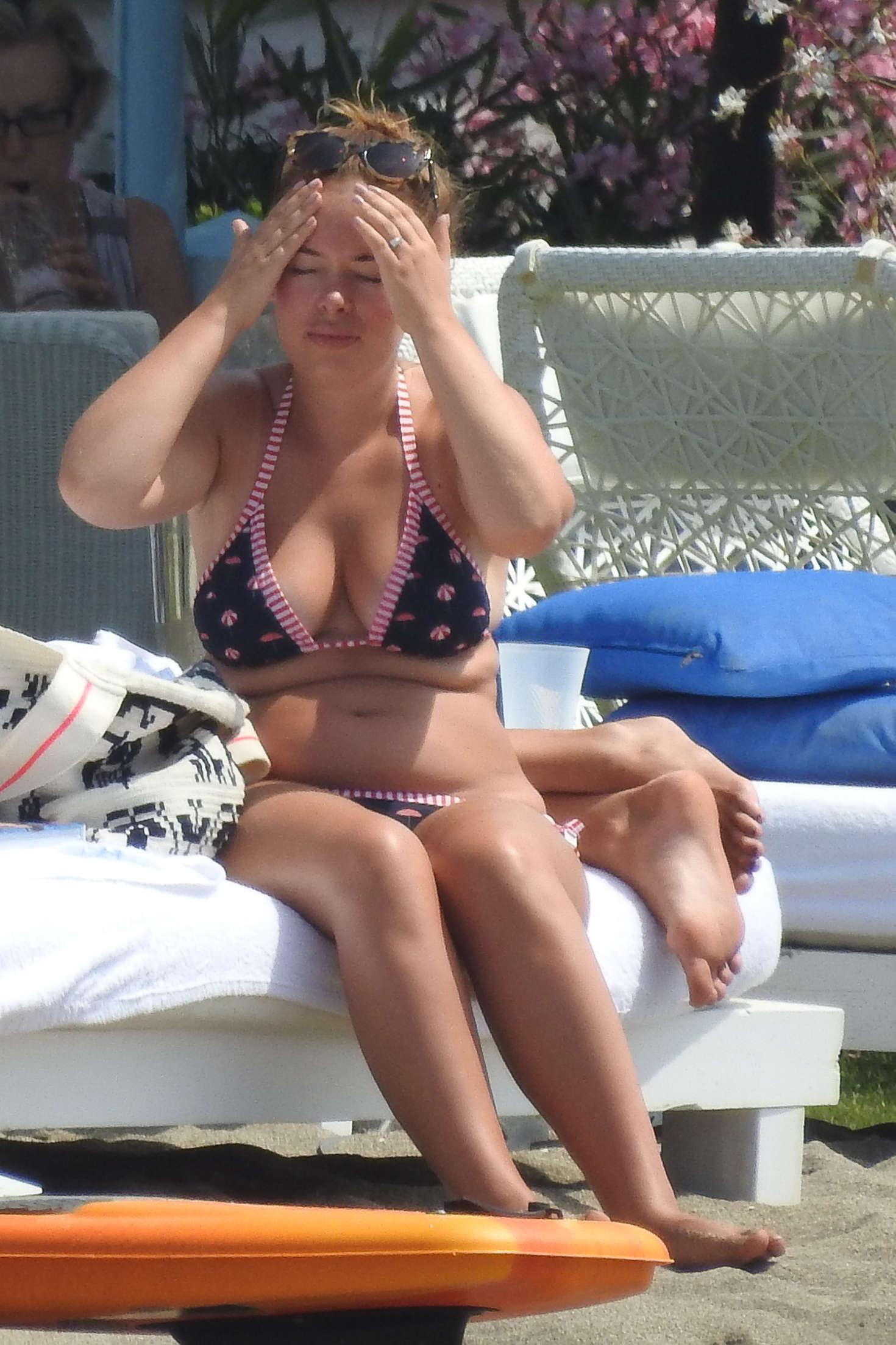 Tanya Burr In Bikini 01 Gotceleb