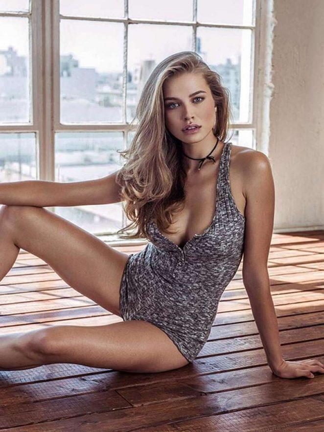 Tanya Mityushina Nude Photos 3