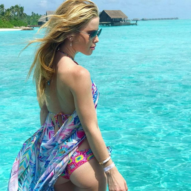 Tara Lipinski in Bikini at One and Only Reethi Rah in Maldives