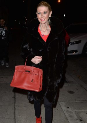 Tara Reid - Arrives at Craig's in West Hollywood