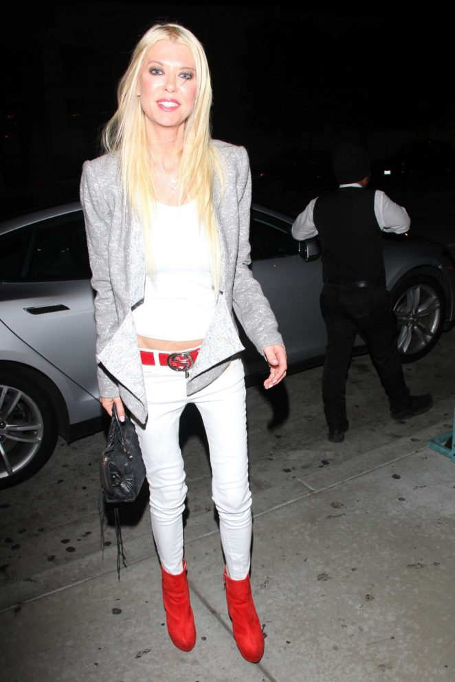 Tara Reid at Catch Restaurant in Los Angeles -01