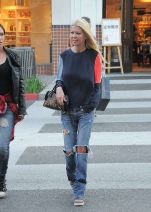 Tara Reid in Ripped Jeans out in Los Angeles