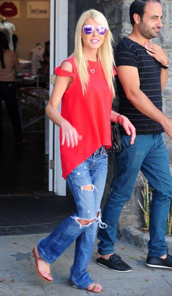 Tara Reid in Ripped Jeans Out in Los Angeles