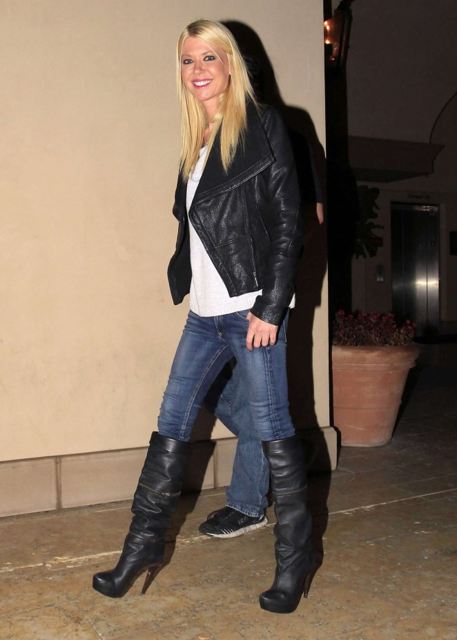 Tara Reid - Out and about in Beverly Hills