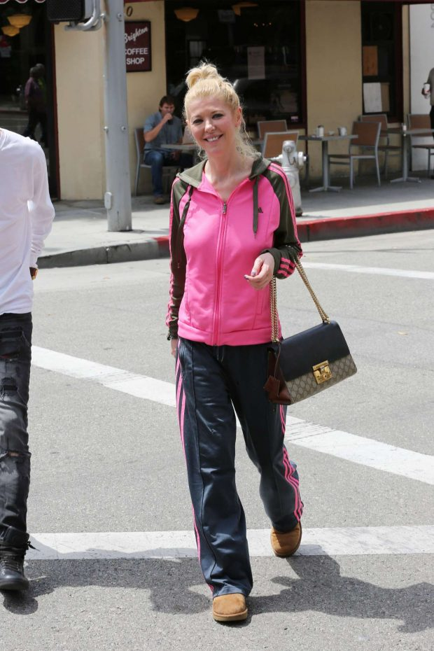 Tara Reid: Out for breakfast in Beverly Hills-01
