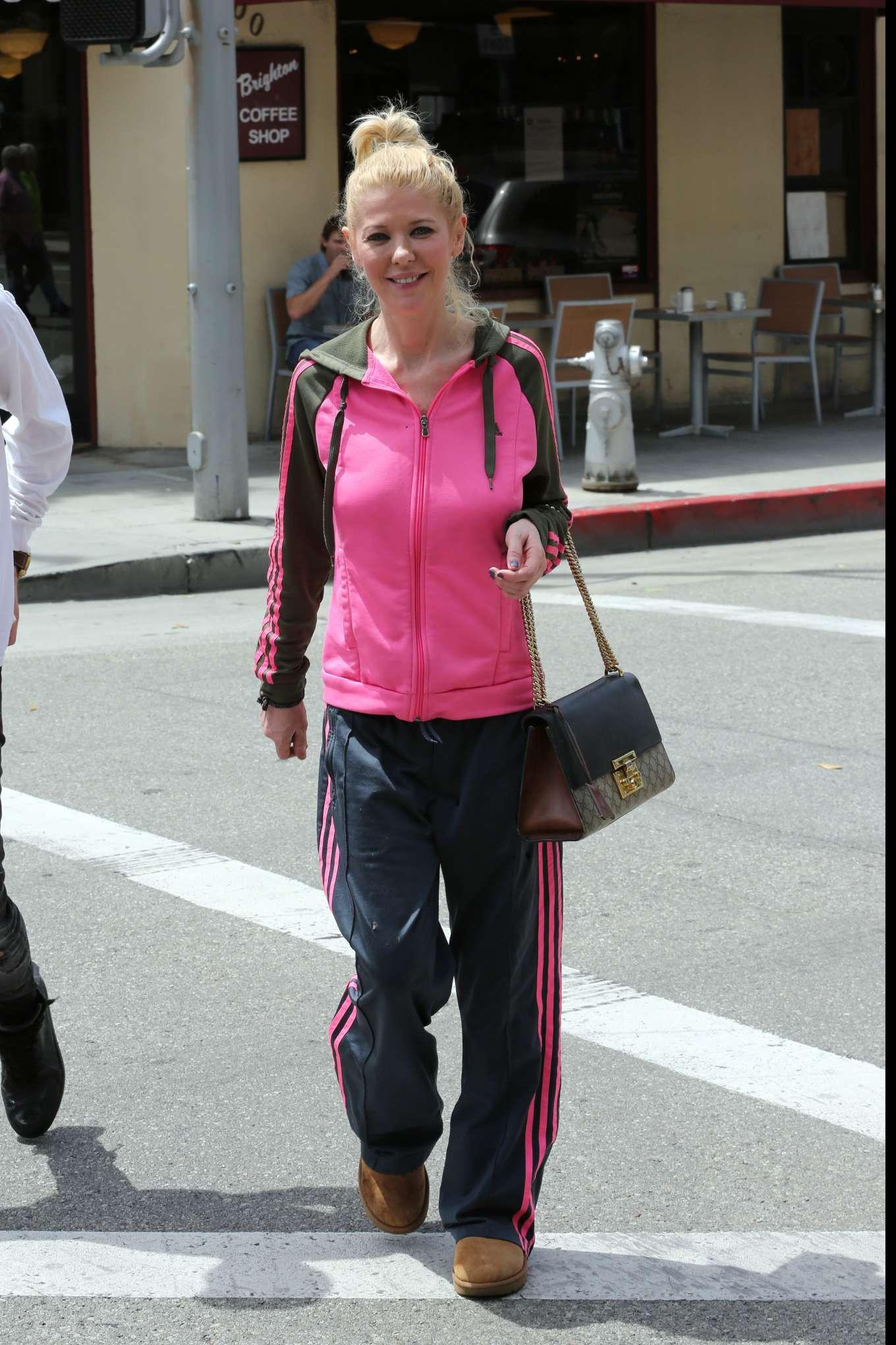 Tara Reid 2019 : Tara Reid: Out for breakfast in Beverly Hills-06
