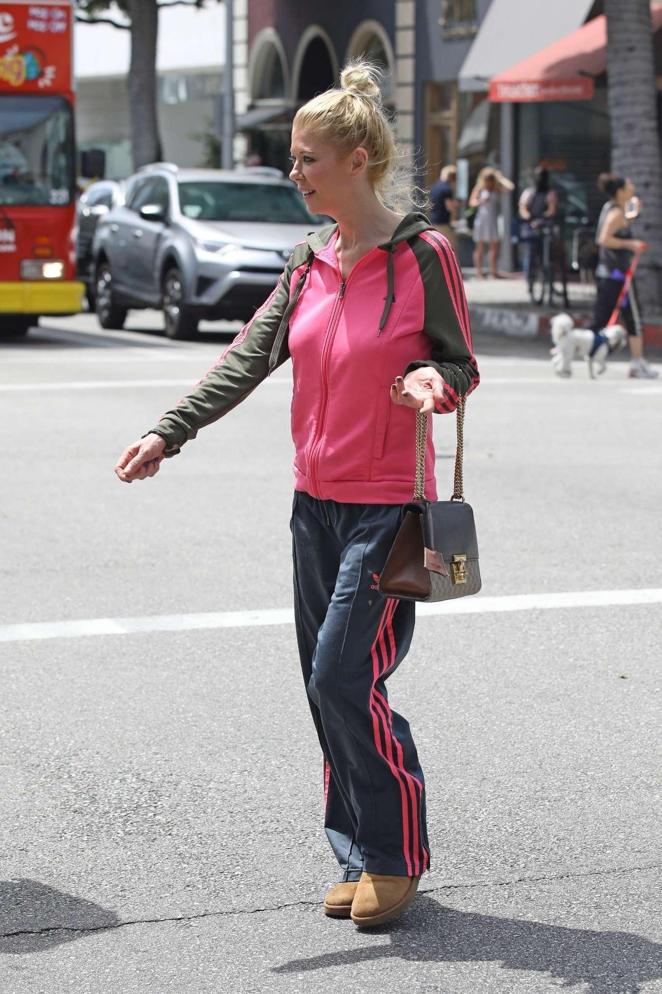 Tara Reid 2019 : Tara Reid: Out for breakfast in Beverly Hills-07