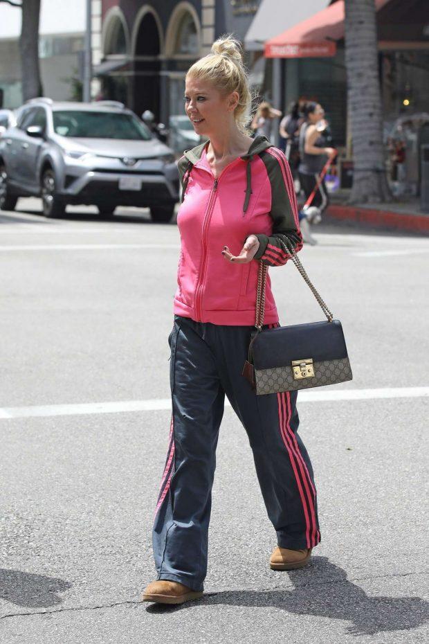 Tara Reid 2019 : Tara Reid: Out for breakfast in Beverly Hills-13