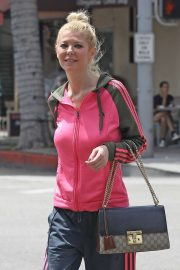 Tara Reid - Out for breakfast in Beverly Hills