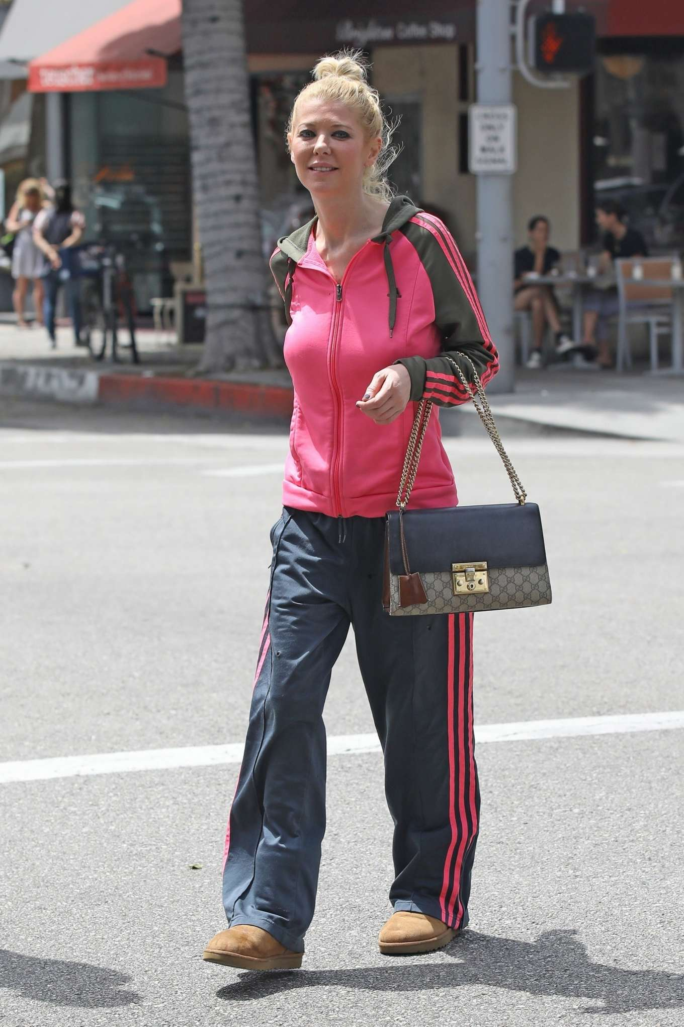 Tara Reid: Out for breakfast in Beverly Hills-15