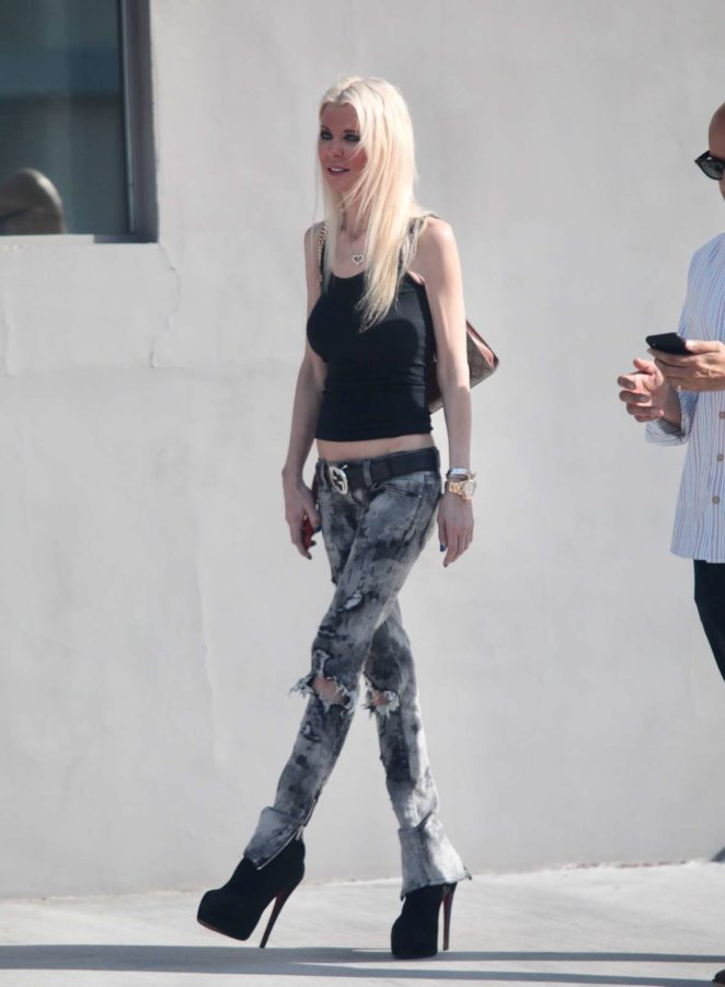 Tara Reid out for lunch in West Hollywood