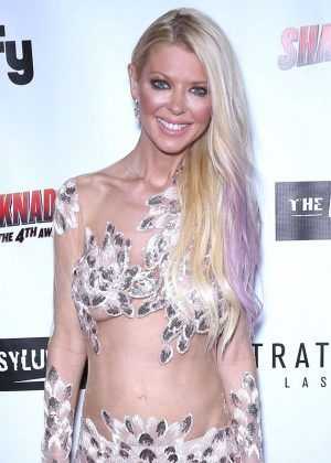 Tara Reid - 'Sharknado: The 4th Awakens' Premiere in Las Vegas