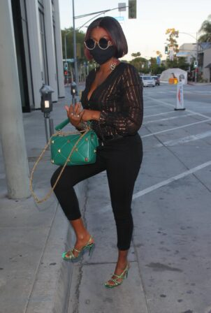 Taraji P. Henson - Spotted arriving for dinner at Catch LA in West Hollywood