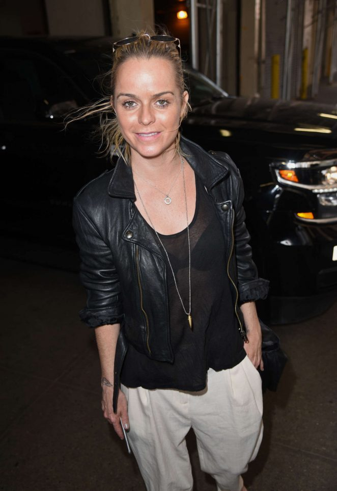 Taryn Manning - Leaving HuffPost Live Studios in NYC