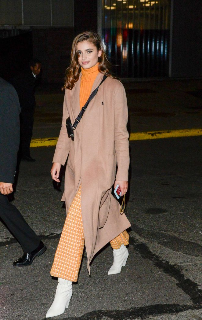 Taylor Hill - Arrives at a fashion show in New York City