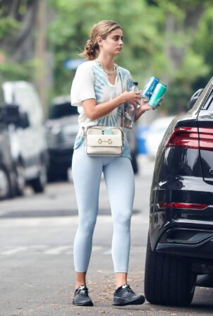 Taylor Hill - Arrives at a private gym in West Hollywood