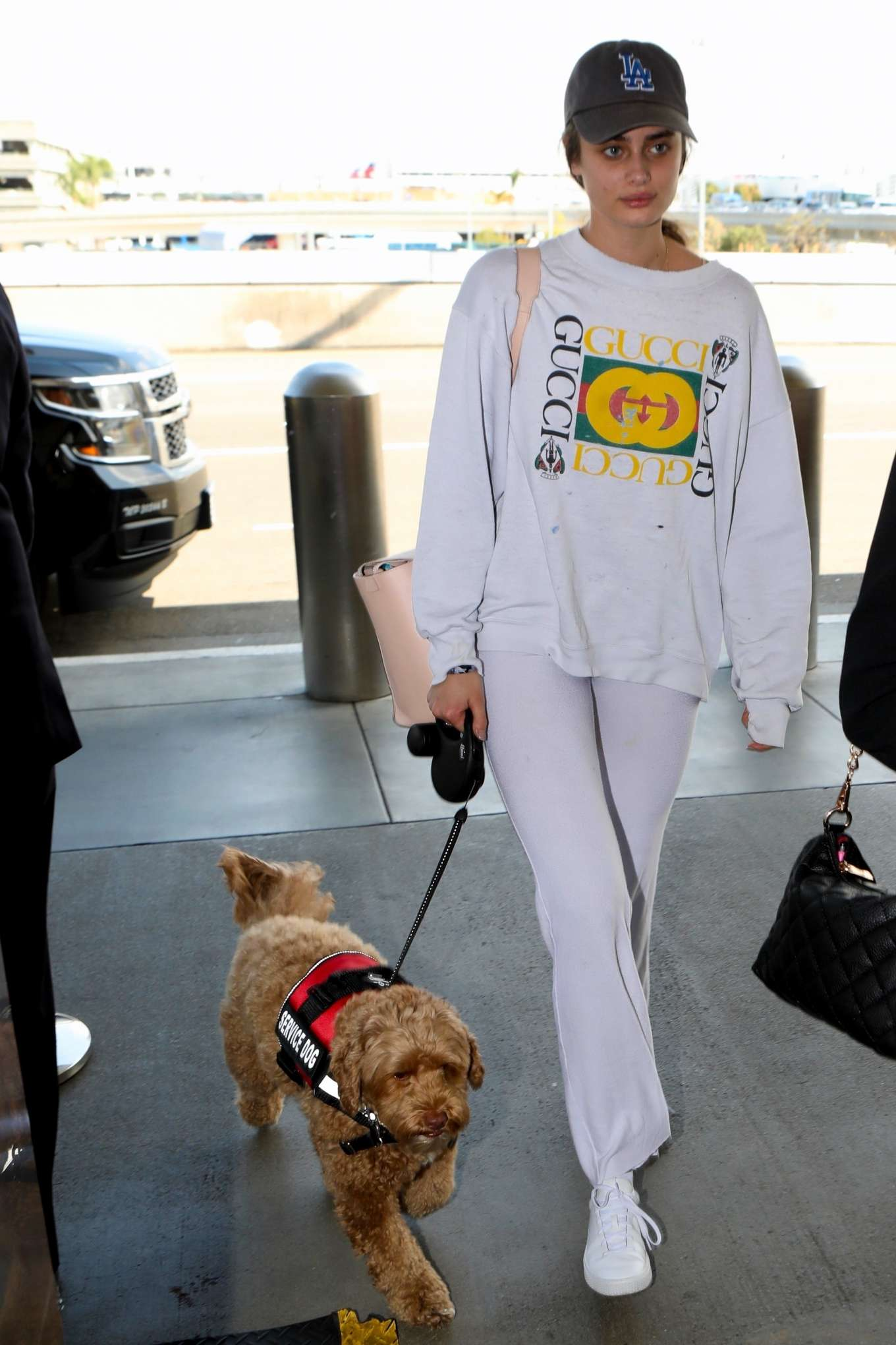 Taylor Hill 2017 : Taylor Hill: Arrives at LAX Airport -04