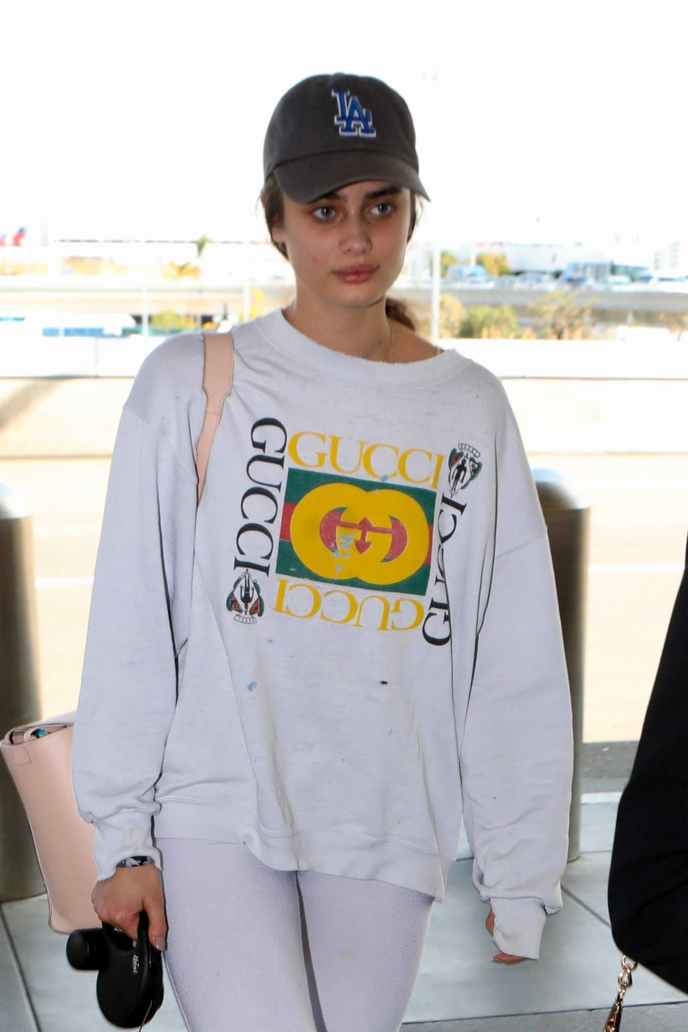 Taylor Hill 2017 : Taylor Hill: Arrives at LAX Airport -06