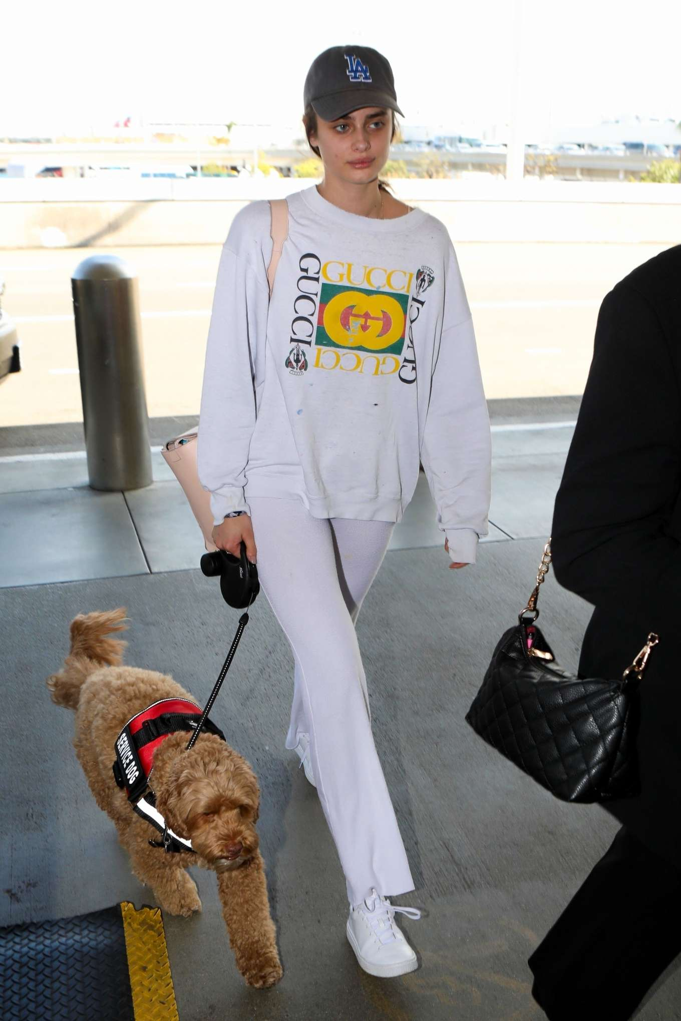 Taylor Hill 2017 : Taylor Hill: Arrives at LAX Airport -09