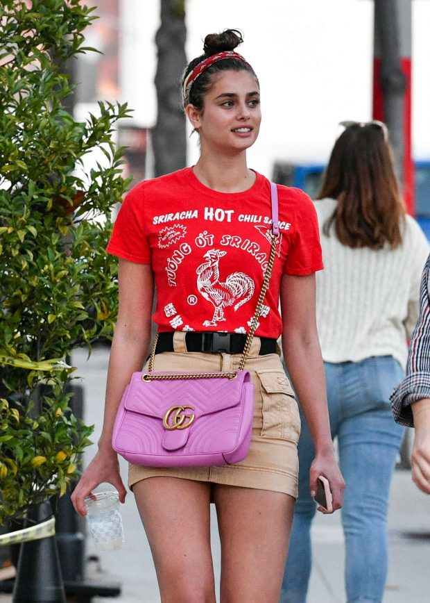 Taylor Hill - Arriving at a concert in Los Angeles
