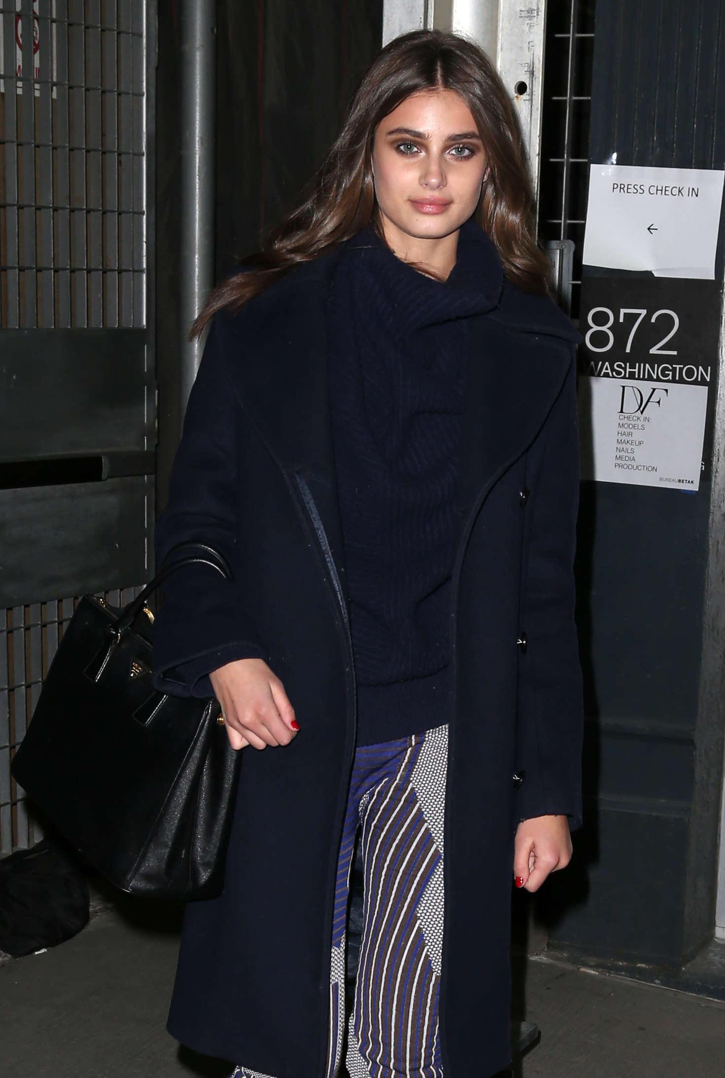 Taylor hill at diane von furstenberg fashion show in new york for Diane von furstenberg new york