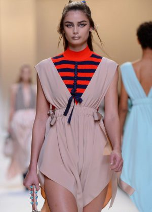Taylor Hill - Fendi Show SS 2017 at Milan Fashion Week in Italy