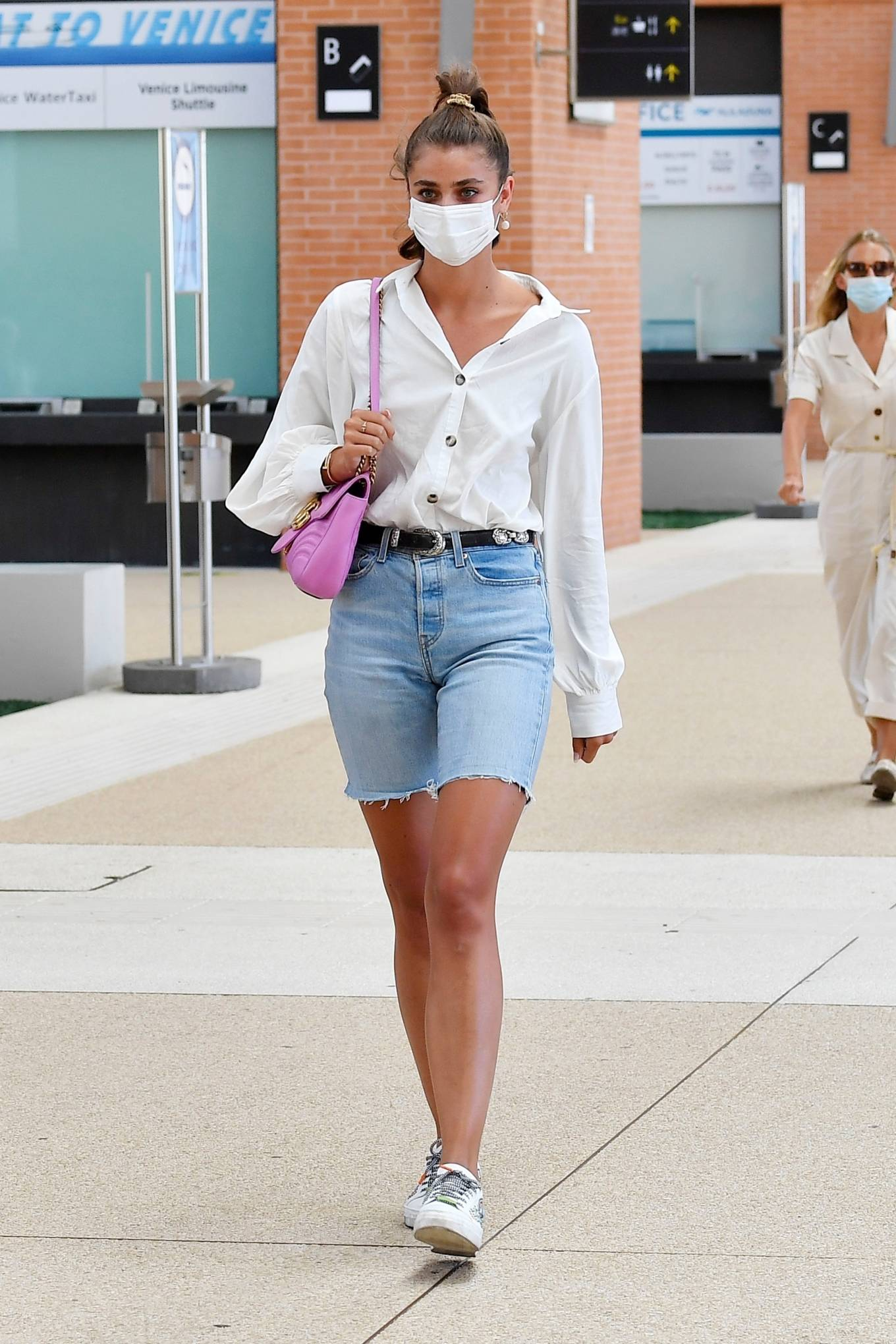 Taylor Hill 2020 : Taylor Hill – Spotted arriving at the airport during the 75th Venice Film Festival in Venice-07