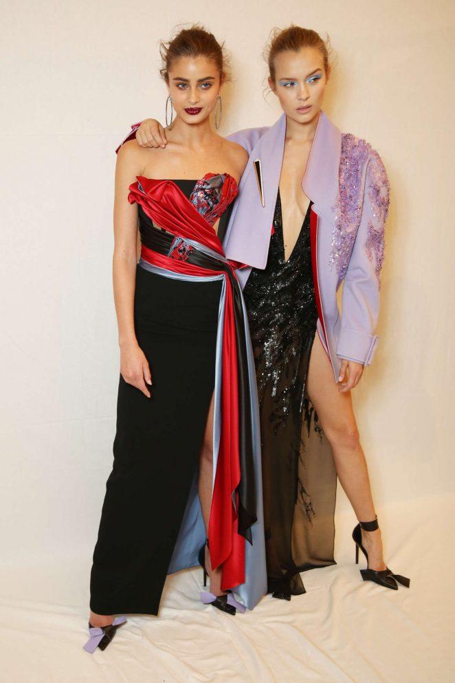 Taylor Hill: Versace Fashion Show 2017 -02