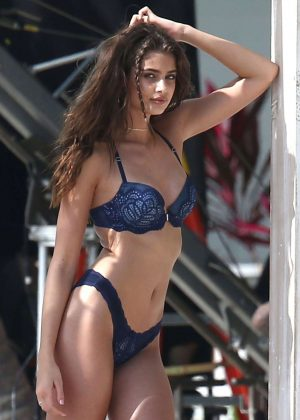 Taylor Hill - Victoria's Secret Photoshoot in Miami