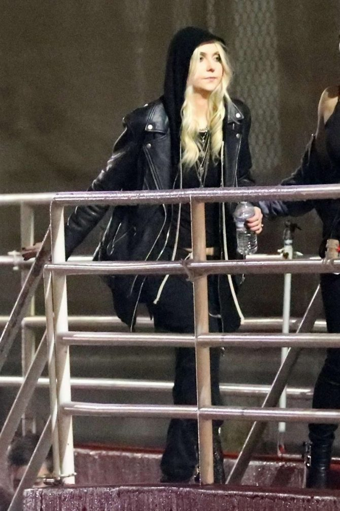 Taylor Momsen – Arrives at Chris Cornell Tribute Concert in Inglewood