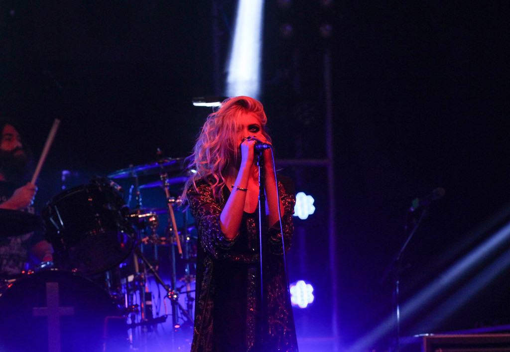 Taylor Momsen 2015 : Taylor Momsen: The Pretty Reckless Performs -01