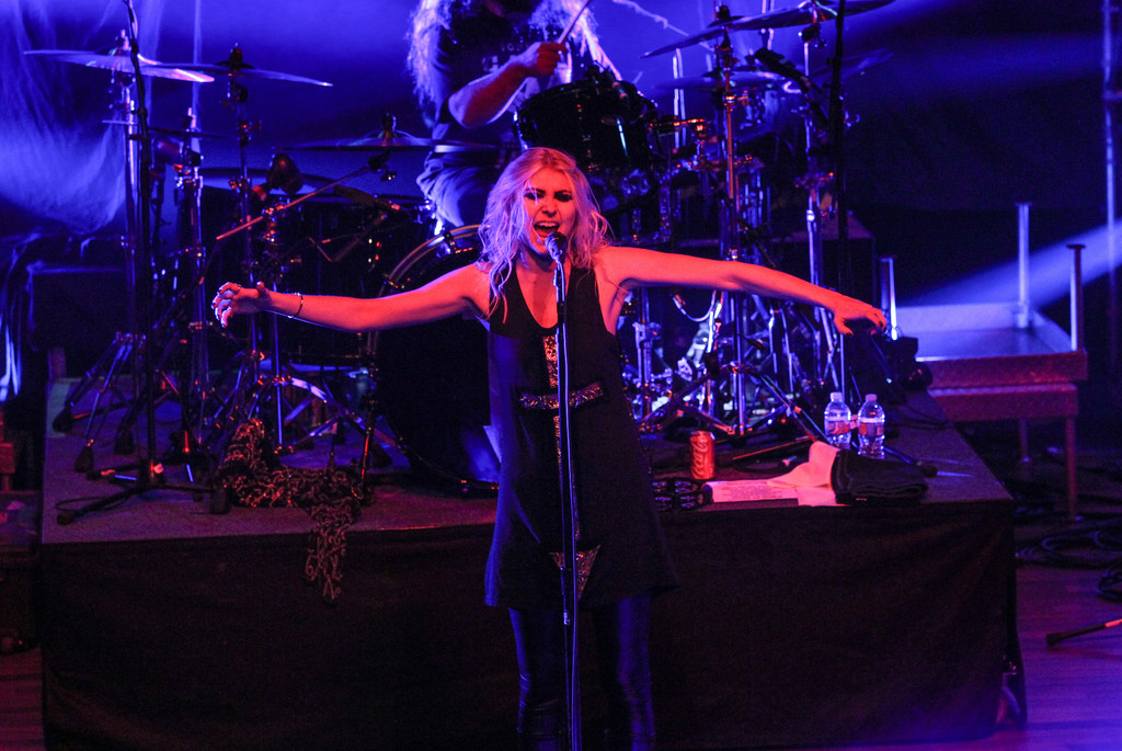 Taylor Momsen 2015 : Taylor Momsen: The Pretty Reckless Performs -04